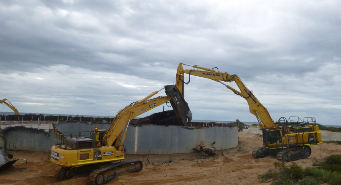 Airlie Island Hydrocarbon Storage Tanks Deconstruction