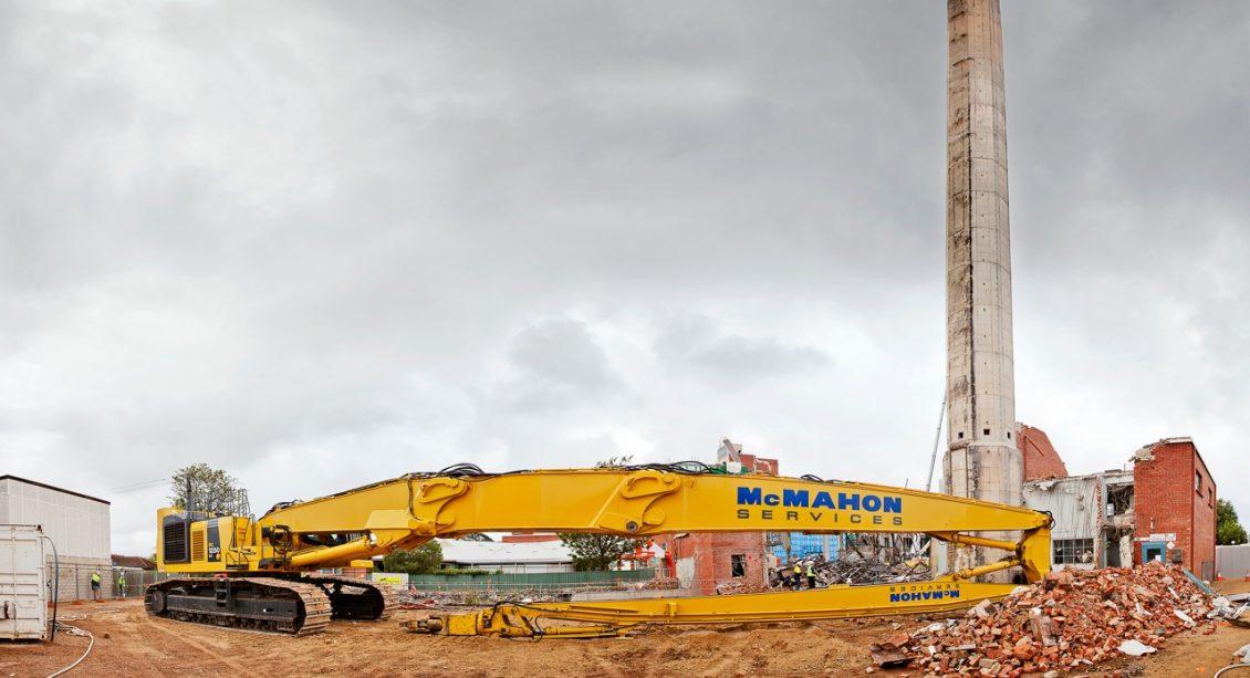 Pc1250 Ultra High Reach Demolition Excavator Mcmahon Services